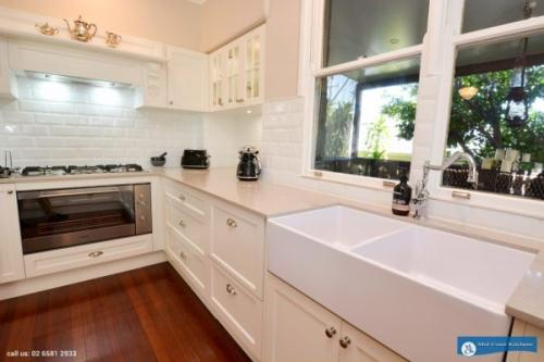 kitchen-2-packs-paint-doors-and-draws-port-macquarie-247-600x400